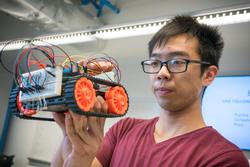 Electrical Engineering Undergrads Build and Race Robots