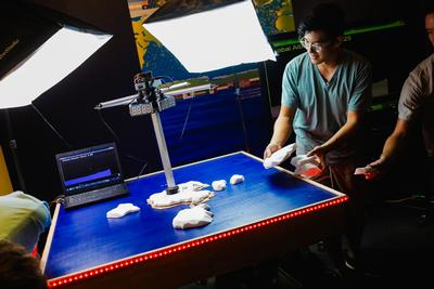 Undergraduate engineers, Birch Aquarium collaborate on innovative exhibits